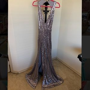 Stunning evening gown / prom dress / homecoming